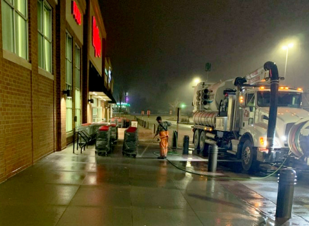 The Vactor 2100i combination sewer cleaner incorporates liquid storage and a liquid pumping system that can safely provide pressurized liquid flows to single or multiple hand-held devices or fixed nozzles for sanitizing everything from shopping carts and buses to bridges, rail cars and train stations.
